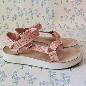 Teva Midform Universal Sandals Geometric Peach 9